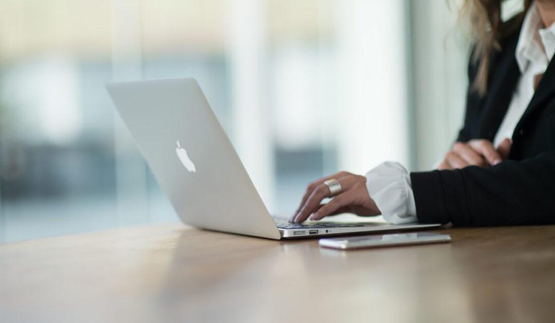 Mijn 8 beste tips om geld te verdienen met Facebook